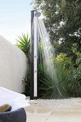 ducha-solar-agua-terraza